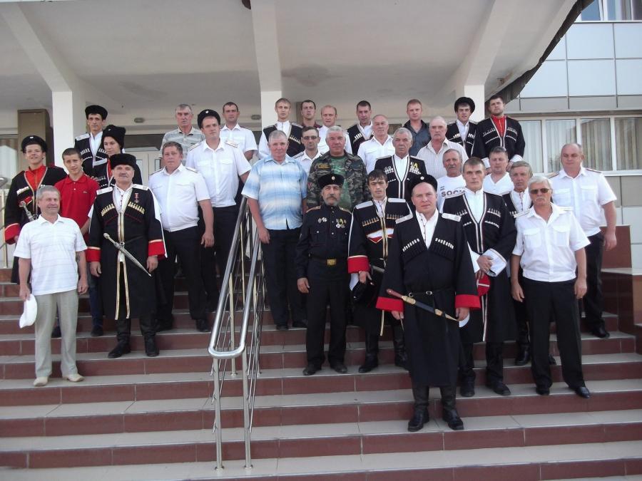 настоящий спортивный праздник устроили казаки в поселке медногорском